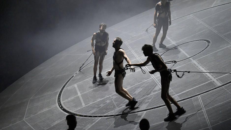 Theater als permanente Laufarbeit: Ulrich Rasche bringt nicht nur seine Schauspieler in Bewegung.