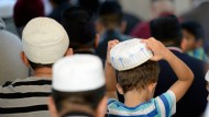 Kinder in einer Moschee in Hamburg