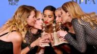 """Küsschen: Der Cast der Serie """"Big Little Lies"""" sammelte gleich mehrere Awards ein. Hier freuen sich die Schauspielerinnen Laura Dern, Nicole Kidman, Zoe Kravitz, Reese Witherspoon und Shailene Woodley."""