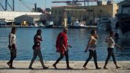 Problem heutiger Migration: Der Fremde bleibt, in den eigenen Augen oder in denen der Einheimischen, der Tatsache verbunden, von anderswo hergekommen zu sein.