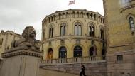 Das norwegische Parlament in Oslo wird auch Storting genannt. Große Koalitionen kennt man in den meisten skandinavischen Ländern nicht.