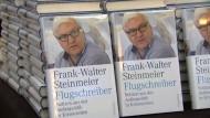 Frank-Walter Steinmeier stellt Buch Flugschreiber vor