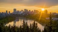Boomtown im hohen Norden Kanadas: Edmontons Skyline am North Saskatchewan River.