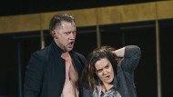 Und sie liebt ihn doch: Jasmin Etezadzadeh als Donna Elvira (Mitte) verzeiht Janis Apeinis als Don Giovanni alles.