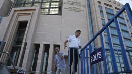 """Journalisten wegen """"Förderung des Terrors"""" verurteilt"""