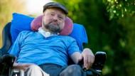 Seit Jahren saß er im Rollstuhl: Holger Biege in Niedersachsen