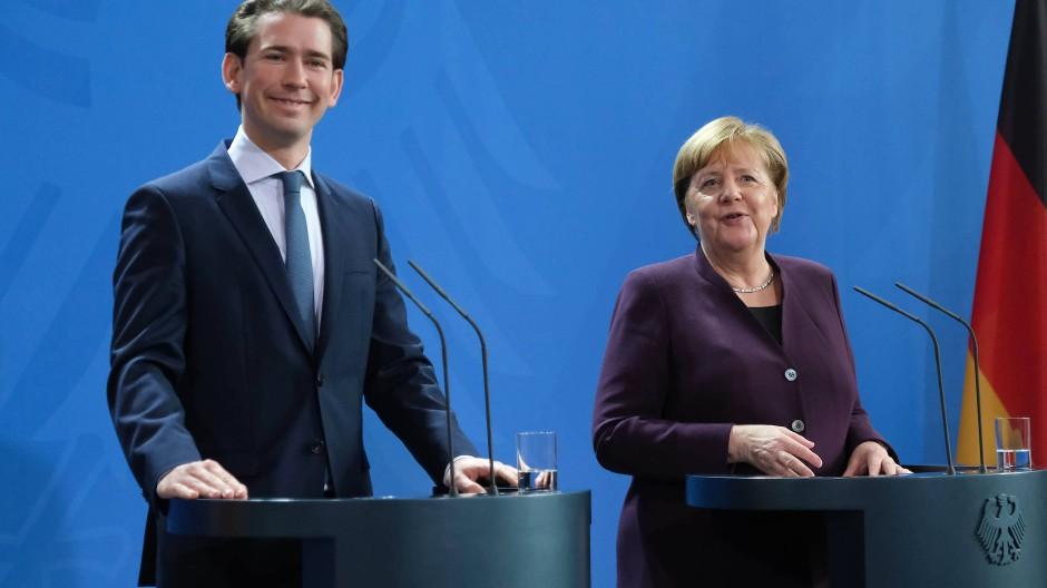 Charisma versus Sachlichkeit: Sebastian Kurz und Angela Merkel, hier im Februar 2020 in Berlin.