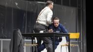 Explodierende Gewalt und verquere Lust am Leiden: August Diehl und Nicholas Ofczarek in Aktion