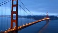 Das Rot gefällt nicht jedem, und dann auch noch der Nebel: Die Golden Gate Bridge kommt nicht immer gut an.