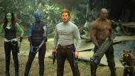 """Kinderspiel: Die Rettung der Galaxie ist für die Helden aus der Comicverfilmung """"Guardians of the Galaxy 2"""" ebenso leicht wie die Verteidigung ihres Spitzenplatzes in den Kinocharts."""