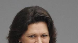Verbraucherschutzministerin greift Facebook an