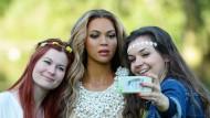 Auch aus Wachs macht sie glücklich. Beyoncé wird in der Madame-Tussauds-Variante von Fans umschwärmt