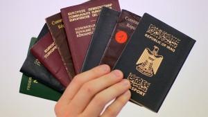 Algorithmen verleihen jetzt die Staatsbürgerschaft