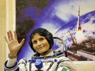 Kosmonautinnen Ungeschminkt Im Weltraum Feuilleton Faz