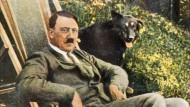 Der Führer als naturliebender Biedermann mit Schäferhund: Ein Standardmotiv der NS-Propaganda