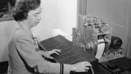 An der revolutionären Rechenmaschine: die Computerpionierin Grace Murray Hopper