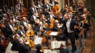Kompromisslose Zusammenarbeit: Franz Welser-Möst mit vollem Einsatz am Pult des Cleveland Orchestra