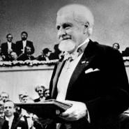 Diesen Preis kann ihm niemand mehr nehmen: Konrad Lorenz bei der Nobelpreisverleihung in Stockholm 1973.