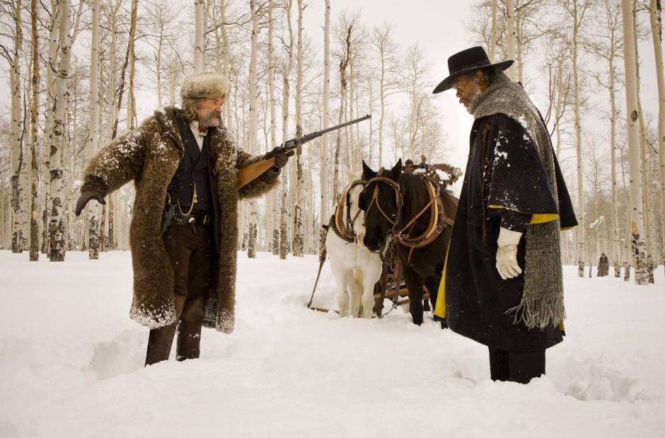 Männer im Schnee: Samuel L. Jackson als Marquis Warren und Kurt Russell als John Ruth.
