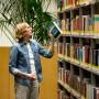 Dieser Bestseller muss keine Angst vor der Papiertonne haben: Beruhigende Szene in der Bibliothek der Deutschen Bundesbank in Frankfurt.