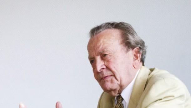 """Freiherr Philipp von Boeselager - einer der letzten Überlebenden der """"Männer des 20. Juli"""" des deutschen Widerstands - ein Gespräch zusammen mit dem Historiker Joachim Scholtyseck."""