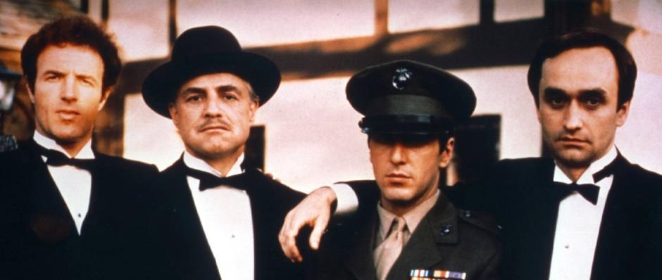 """James Caan (l.) mit Marlon Brando, Al Pacino und John Cazale 1972 in Francis Ford Coppolas """"Pate"""""""