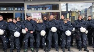 Einseitiger, als die Polizei erlaubt