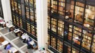 Der Textspeicher und seine Nutzer: Friedliche Koexistenz in der British Library.