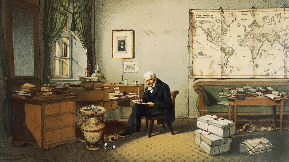Alexander von Humboldt, der an diesem Samstag vor 250 Jahren geboren wurde, 1845 in seinem Berliner Arbeitszimmer, aquarelliert von Eduard Hildebrandt