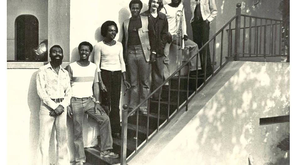 Einer der Protagonisten von Black Jazz Records: Henry Franklin (links) und seine Band im Sommer 1973