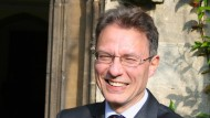 Leben heißt Online-Sein: Luciano Floridi vor seinem Oxforder College