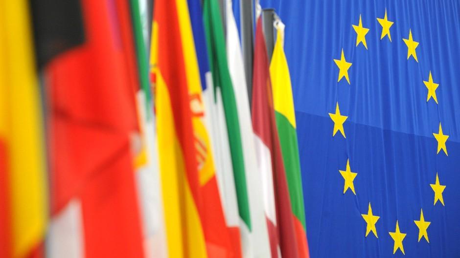 National-europäischen Doppeldemokratie kann für die Welt ein Modell für globales Regieren sein, für Europäer eine Quelle von Identifikation mit Europa