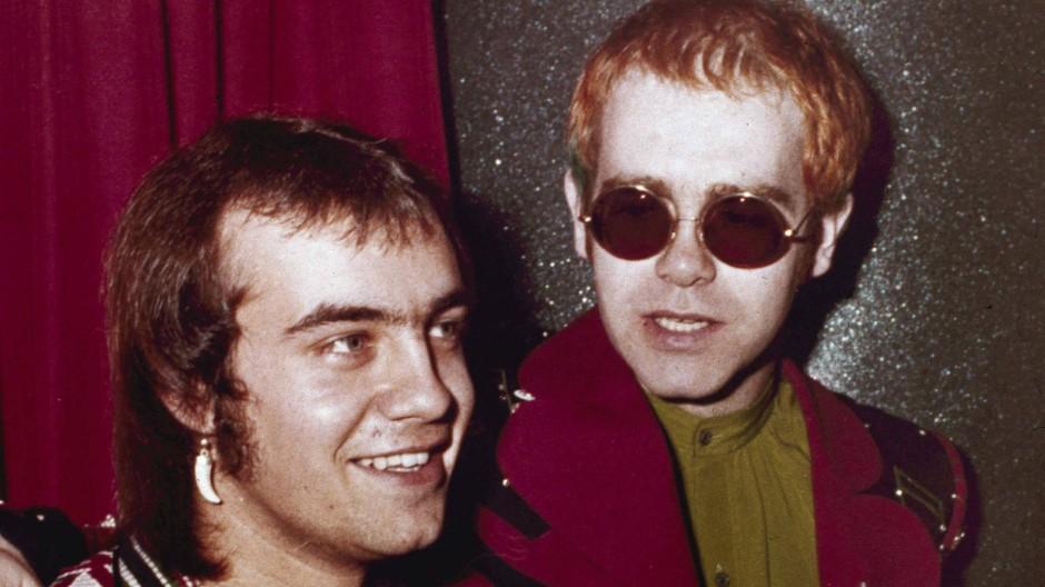 Elton John mit dem Songtexter Berni Taupin