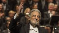 Die Textur der Stimme ist rauher geworden, aber eine gute Figur macht er immer noch: Plácido Domingo in Salzburg.