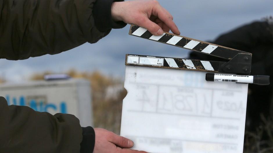 Klappe und keine Action: Mit Beginn der Eindämmungsmaßnahmen in der Corona-Krise steht die Filmbranche vor der Frage, wie geht es weiter.