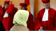 Schon 2003 wurde sich vor dem Bundesverfassungsgericht über das Kopftuch gestritten.