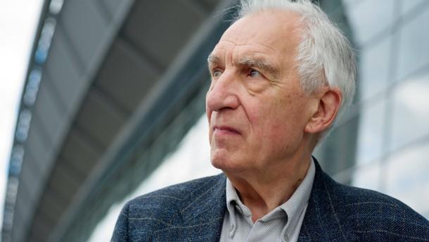 """Dieter Wellershoff - der Autor am F.A.Z.-Stand im Gespräch über sein Buch """"Der Himmel ist kein Ort""""."""