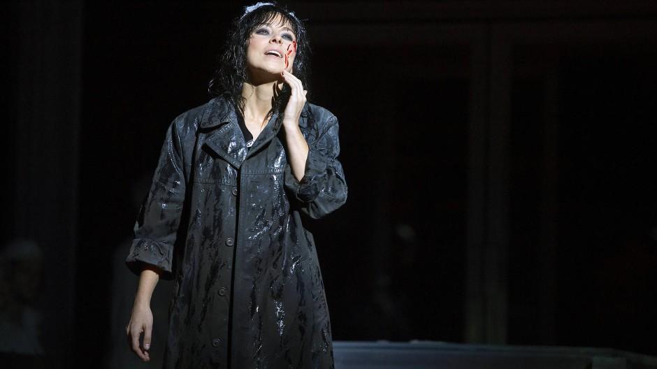 Von Zynikern geschändet: Halka, großartig gesungen von Corinne Winters.