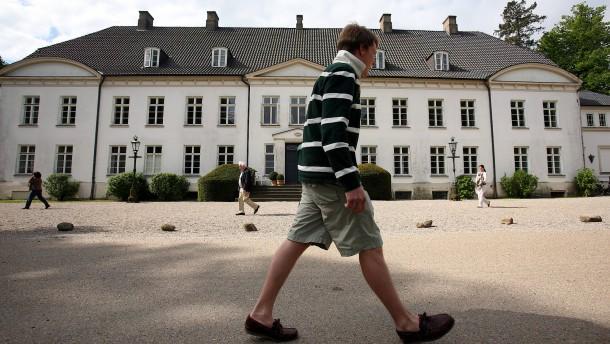 Eltern zahlen im Schnitt 2000 Euro pro Jahr