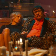 Katja Riemann und Oliver Masucci (als Fassbinder).
