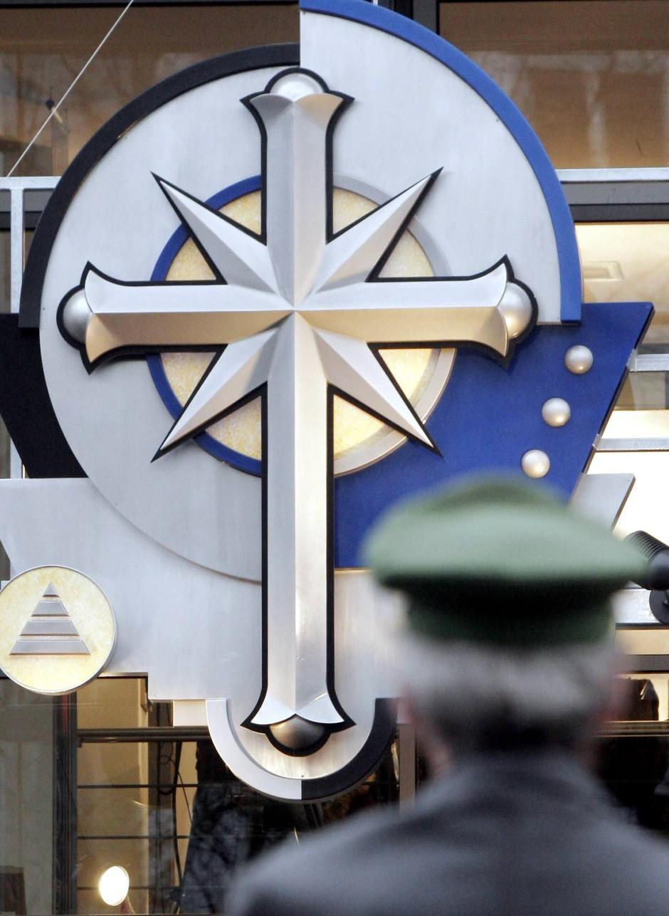Im Zeichen eines Kreuzes: Der Sektenkonzern Scientology