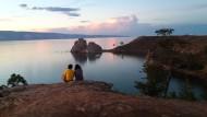 Die Sonne so rot: Abendstimmung über dem Baikalsee