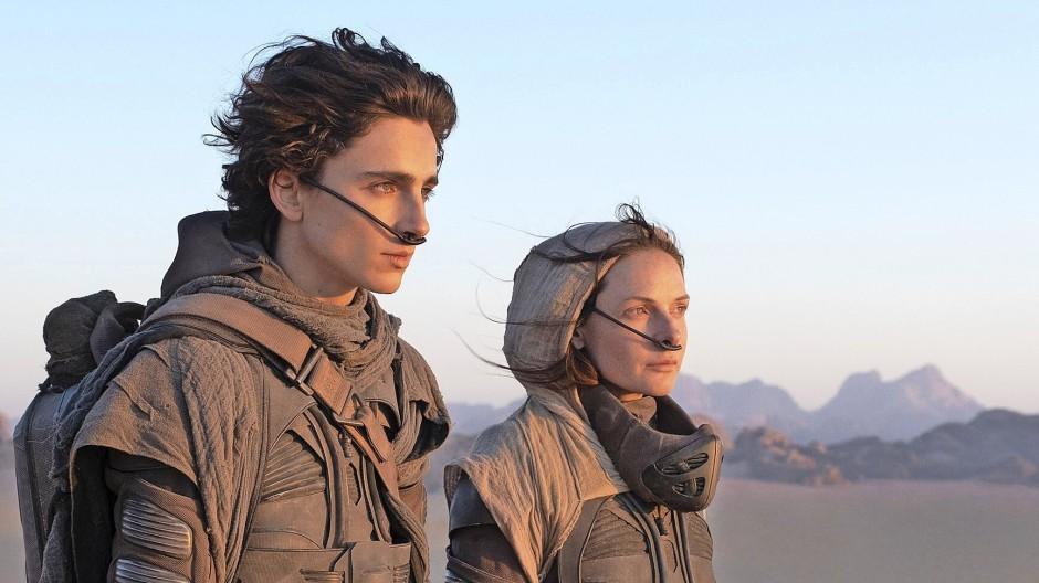 """Ökologische Aufklärung in erdfernen Welten: Timothée Chalamet und Rebecca Ferguson in """"Dune"""""""