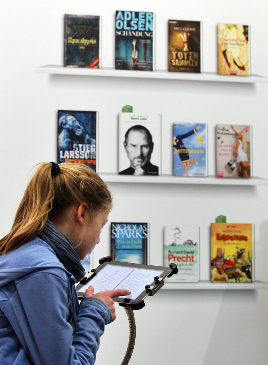 In Deutschland angekommen: E-Books erzielen nur einstellige Umsätze, aber viele Verlage haben festgestellt, dass die Dinge gerade in Bewegung geraten sind