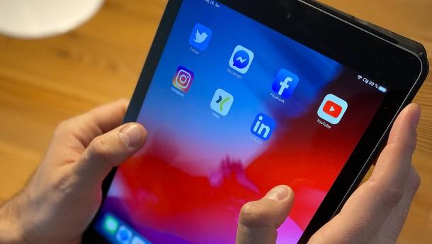 Brauche ich soziale Medien für die Arbeit?