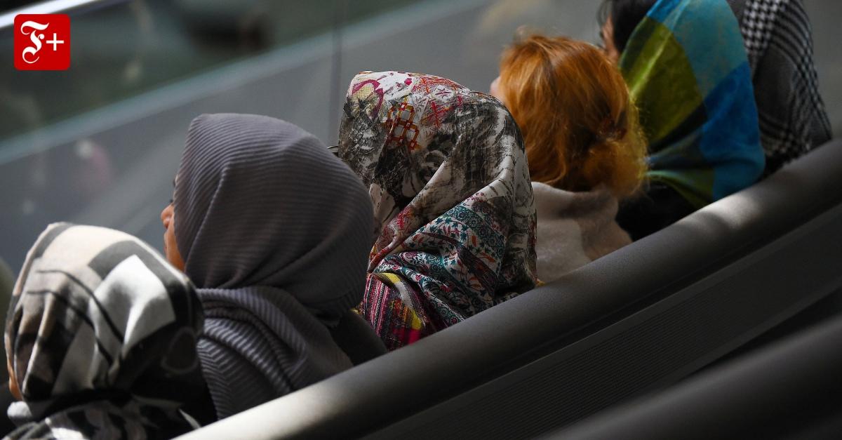 Urteile zu Suizid und Kopftuch: Zweierlei Maß