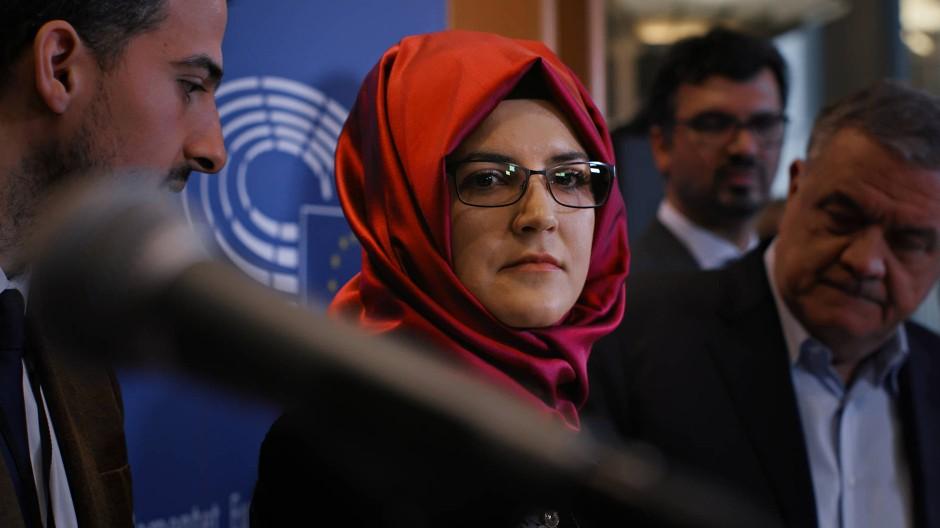 Hatice Cengiz, die Verlobte von Jamal Khashoggi, im EU-Parlament