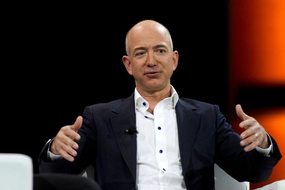 Er weiß, was Kunden wollen: Mit diesen Kenntnissen will Amazon-Chef Jeff Bezos nun auch Autoren gewinnen