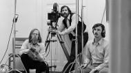Günter Peter Straschek (Mitte), Carlos Bustamante (links) und Johannes Beringer (rechts) am Set von Labriola, 1970.