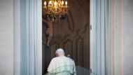 Des Papstes neue Kleider